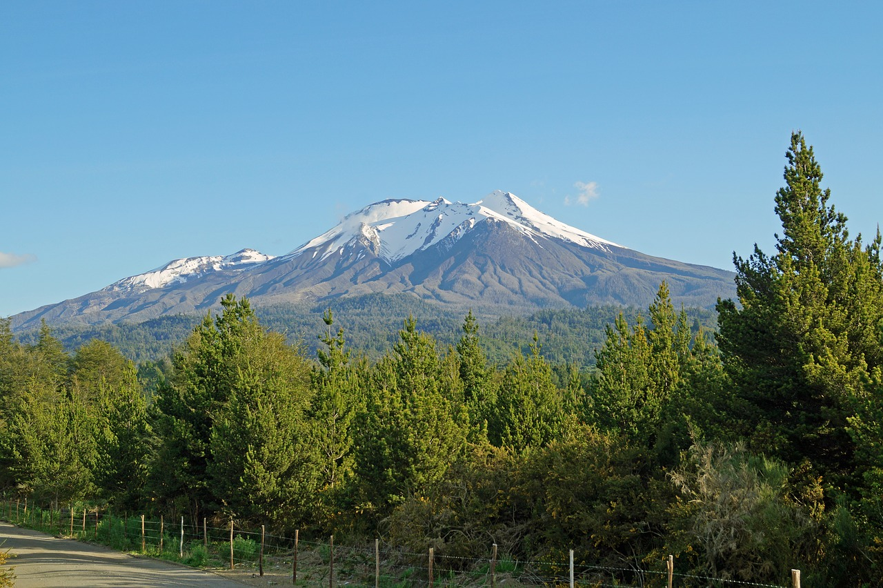 volcano-1783608_1280